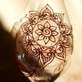 Custom wine glass set in Henna style designs.Wedding glassware.Hand painted, crystal glass, dishwasher safe option to personalize, bridesmaid gift