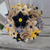 paper and burlap flower bouquet