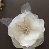 Delicate Bridal hair comb White Flower comb pearl hair comb Clip Handmade Wedding