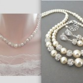 Graduating pearl necklace