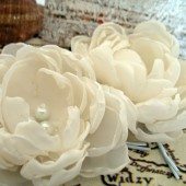 Ivory white fabric flowers, bridal hair clips, flower hair pins for wedding, fabric flower, flower for hair, bridal hair accessories