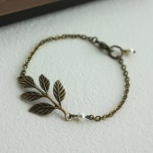 Oxidized Brass Leaf Bracelet. Bridesmaids Bracelet. Gifts for Sisters. Vintage Wedding