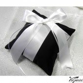 Gothic wedding ring pillow
