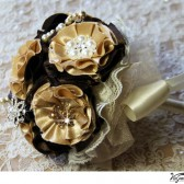 CHAMPAGNE CHOCOLATE Brooch Bouquet