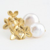 Ivory Pearl Hydrangea Earrings