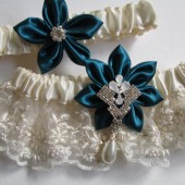 Bridal Wedding Garter Set, Ivory Pearl Lace Garter, Teal Green Kanzashi Flower, Elegant Rhinestone, Pearl Drop Garter, Ivory Wedding Garter