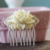 Cream Ivory Flower Matte Silver Wedding Bridal Hair Comb. Vintage Inspired Wedding Hair Comb. Ivory bridal headpiece, wedding hairpiece