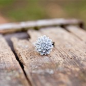 Grey Mum Ring