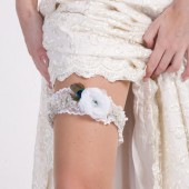 Plus size bridal garter, white floral lace garter for wedding, white peacock garter