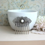 FreshWater Button Pearl, Shabby Chic, Vintage Style Art Nouveau Hair Comb.