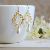 Gold Laurel Wreath Cream Ivory Teardrop Pearl Dangle Earrings. Wedding Earrings, Bridal Earrings, Bridesmaids Gift, Bridal Jewelry