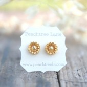 Metallic Gold Daisy Earrings