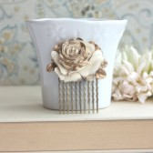 Wedding Hair Comb. Ivory Antiqued Gold, Shabby Chic, Vintage Style Rose Flower Hair Comb. Gold Hair Comb.
