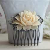 Soft Ivory Rose Flower Wedding Comb