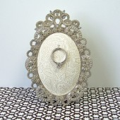 Ring Holder: Cream Paisley