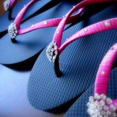 Hot pink Flip Flops. Bridal black-hot pink flip flops w/ Swarovski Crystals. Wedding Black flip flops. Bridal Party --BELLA--Black-hot pink