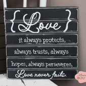Love never fails, Beadboard Sign