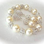 Chunky pearl bracelet and earring set