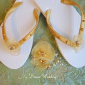 Flower Girl Gold flip flops and hair clip. Petals flower, Pearly flip flops. golden colors flip flops - golden SUMMER 02