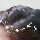 Simple and delicate floral vine hair piece, floral hair vine, crystal and pearl hair vine