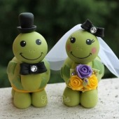 Turtle cake topper, custom cake topper, hand made cake topper, animal cake topper, wedding cake topper, personalized wedding, bride and groom figurines