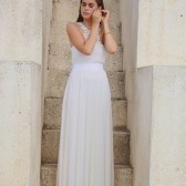 Romantic strapless wedding dress with embroidery pattern