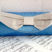 Silk bow clutch