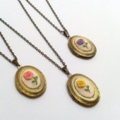 Hand embroidery floral locket, Set of 3.