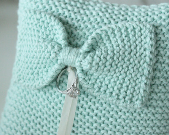 mint ring pillow 2