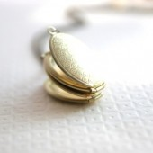 Scalloped Folding Locket Necklace
