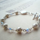 White Bridal Bracelet With Pearl and Crystal