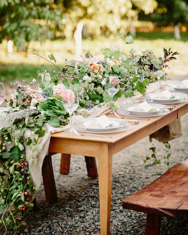 Rustic Farm Wedding Inspiration Shoot | Photo: Cat Mayer Studio | http://emmalinebride.com/bride/rustic-farm-wedding-inspiration/