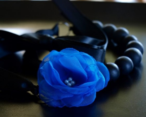 handmade wedding 212 e1292316868706 Beautiful Bridal Jewelry, Blooms, and Royal Blue LOVE