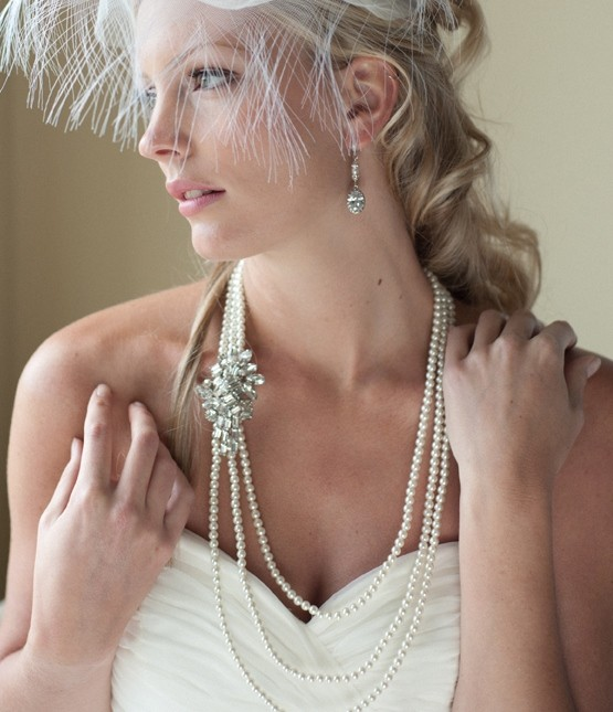3-pearl necklace