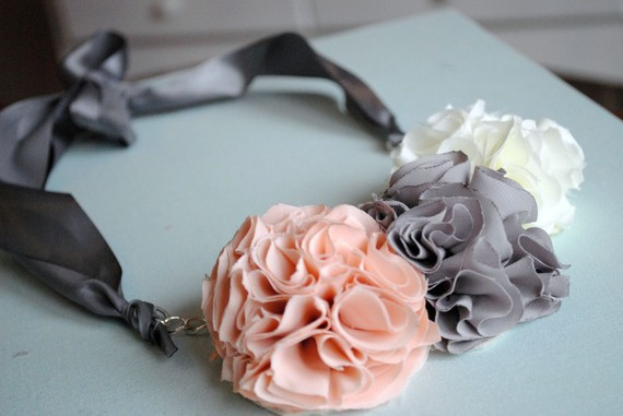 pink ruffle necklace with gray and white