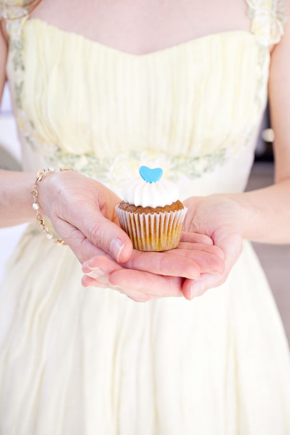 real wedding details - cupcake