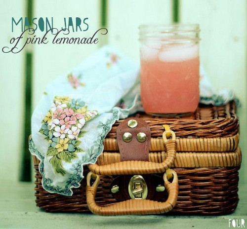 picnic wedding - mason jars of pink lemonade