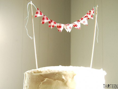 picnic wedding - cake bunting