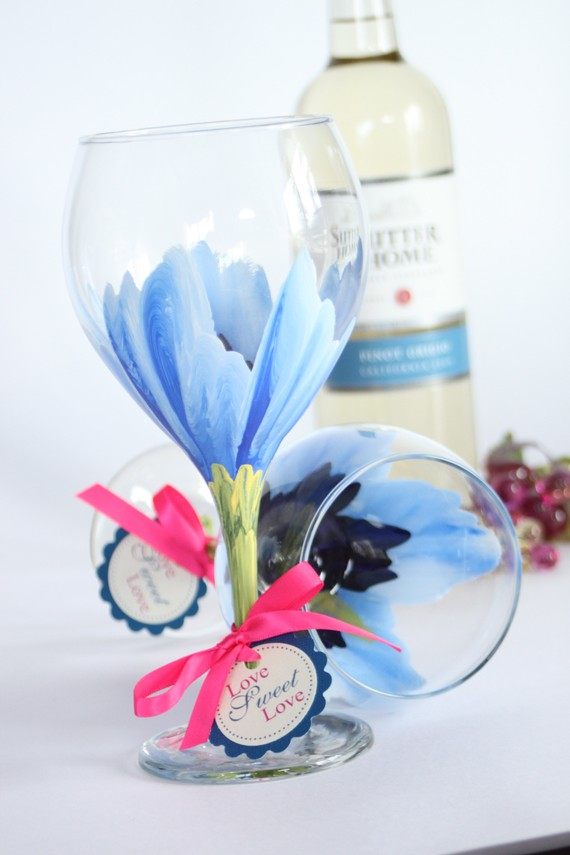 hand painted bridesmaid glasses