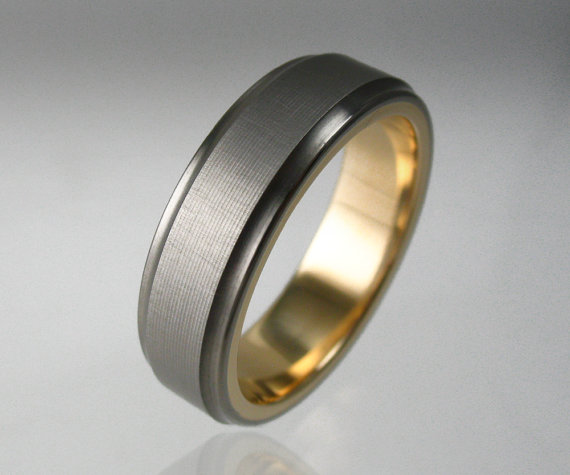 how to choose a wedding band? You've come to the right place! Selecting the perfect wedding band for you is easier if you keep in mind four key ...