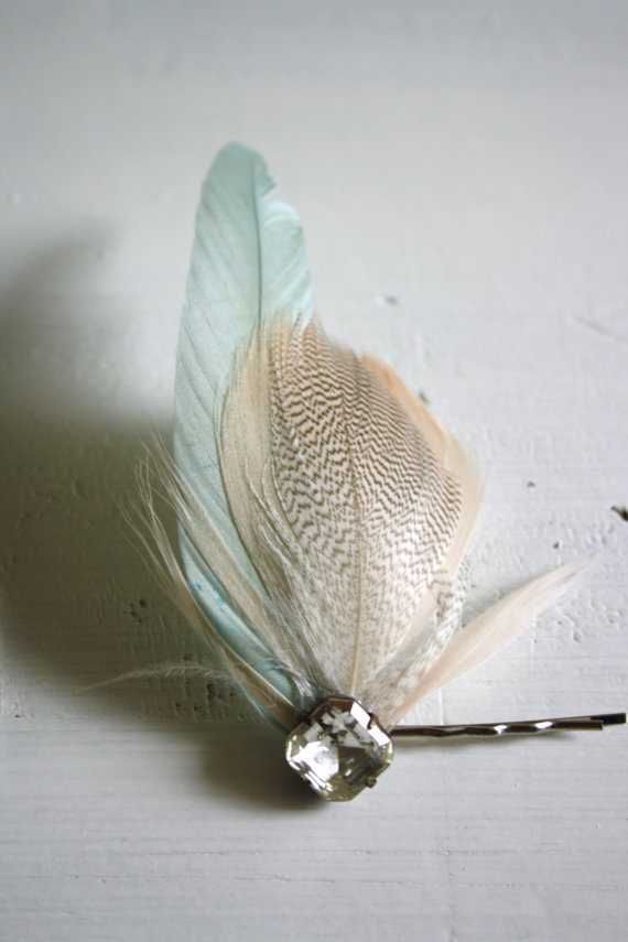 hair pin with feathers