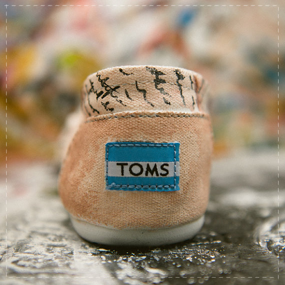 wedding toms