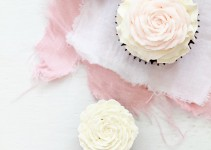 Valentines-Rose-Cupcakes_Bakers-Royale