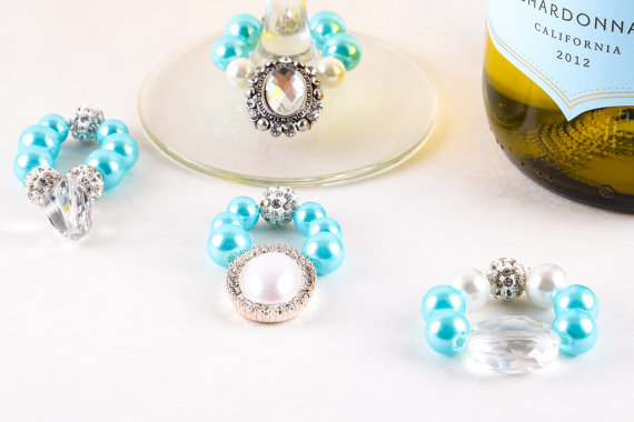 breakfast-at-tiffanys-wine-charms