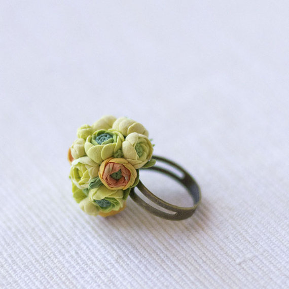rings with clay flowers