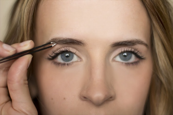 how to shape eyebrows at home