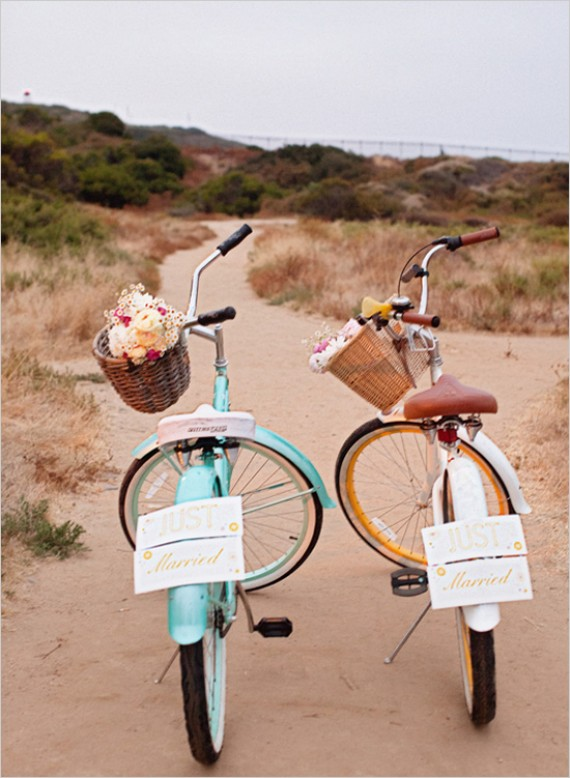 beach wedding bikes