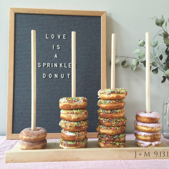 Wedding Cupcake Stand Ideas: 12 Creative Wedding Alternatives To Traditional Ideas
