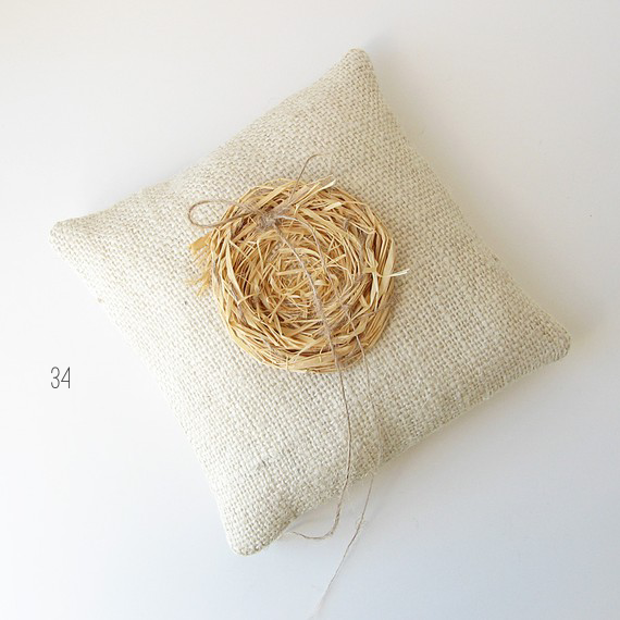bird nest ring pillow