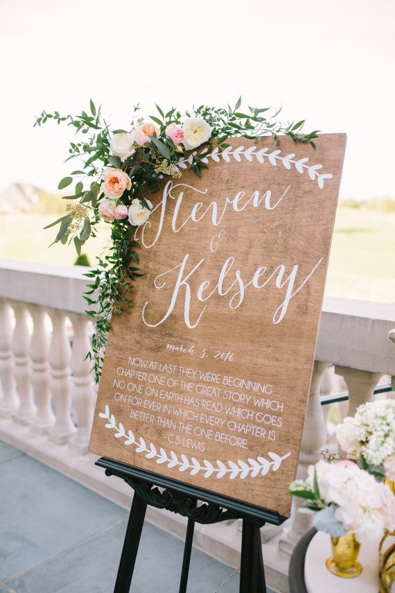 Wedding welcome sign with quote by Paper and Pine Co | via Wood Themed Wedding Ideas: http://emmalinebride.com/themes/wood-themed-wedding-ideas/